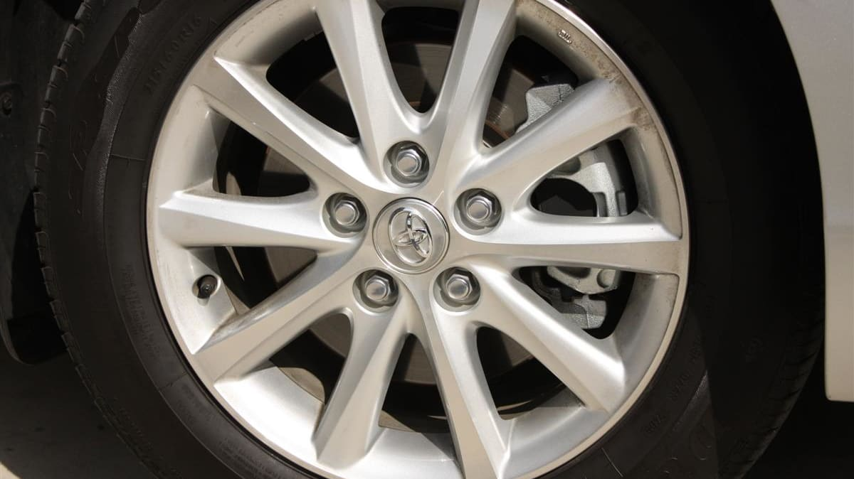 2010_toyota_aurion_at_x_road_test_review_header_31