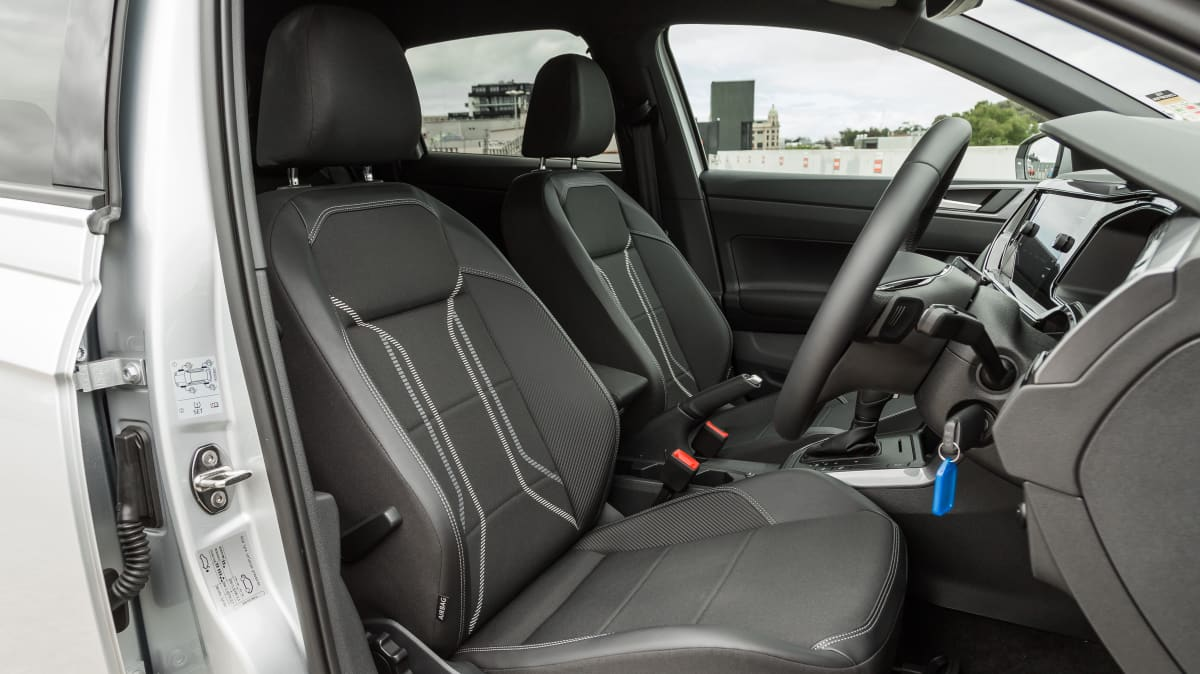 2020 Volkswagen Polo Style 85TSI v Hyundai Venue Elite-1