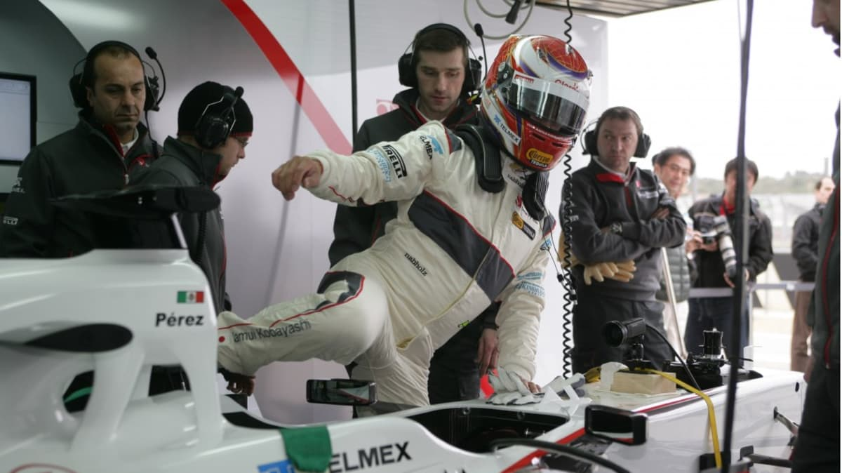 2011_sauber_c30_ferrari_f1_race_car_04