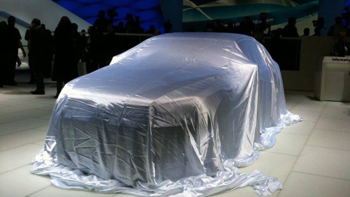 Volkswagen Teases Detroit Concept: New Phaeton Preview?