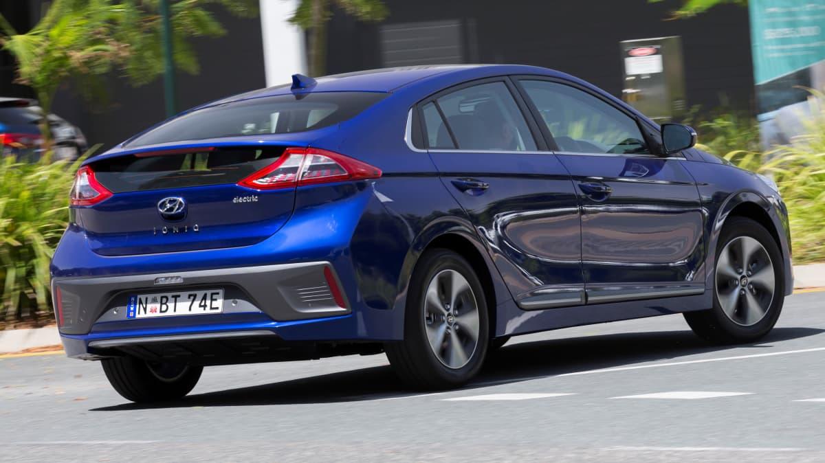 Hyundai Ioniq 2018 new car review-2