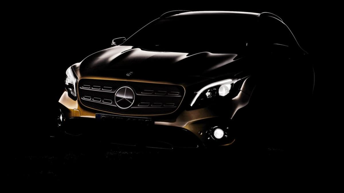 Mercedes-Benz Drops First teaser Of Facelifted 2017 GLA