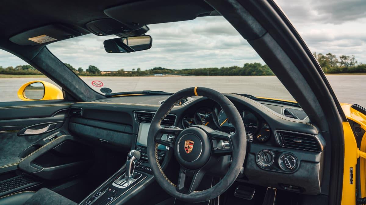 Porsche 911 GT3 RS 2018 Review-0