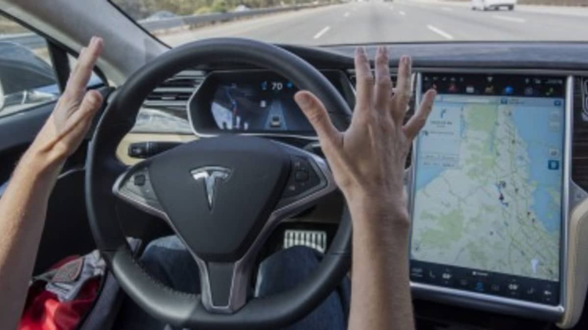 Hands-on: Tesla updates autopilot system