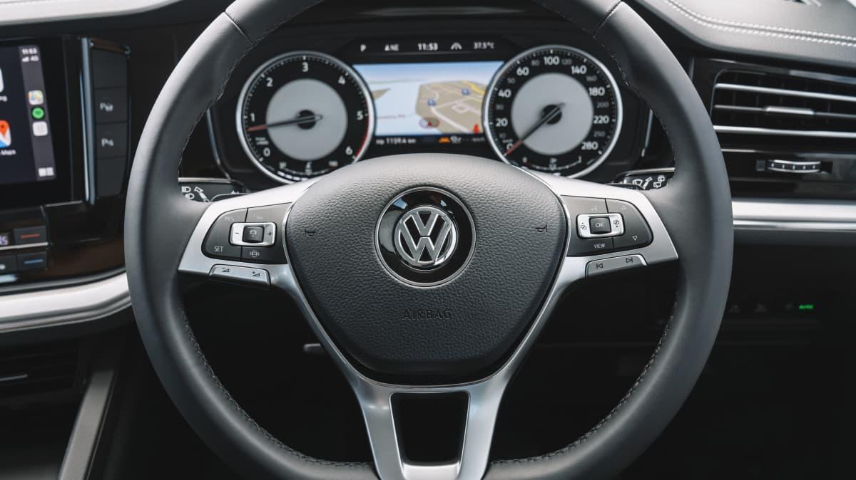 2020 Volkswagen Touareg 190TDI review-1