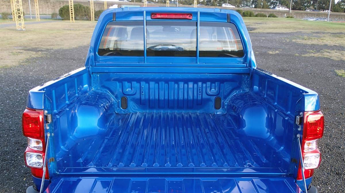2012_holden_colorado_review_01_lx_4x4_pickup_automatic_07