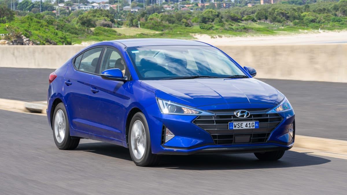 Hyundai Elantra Active 2019 Sedan Review-4