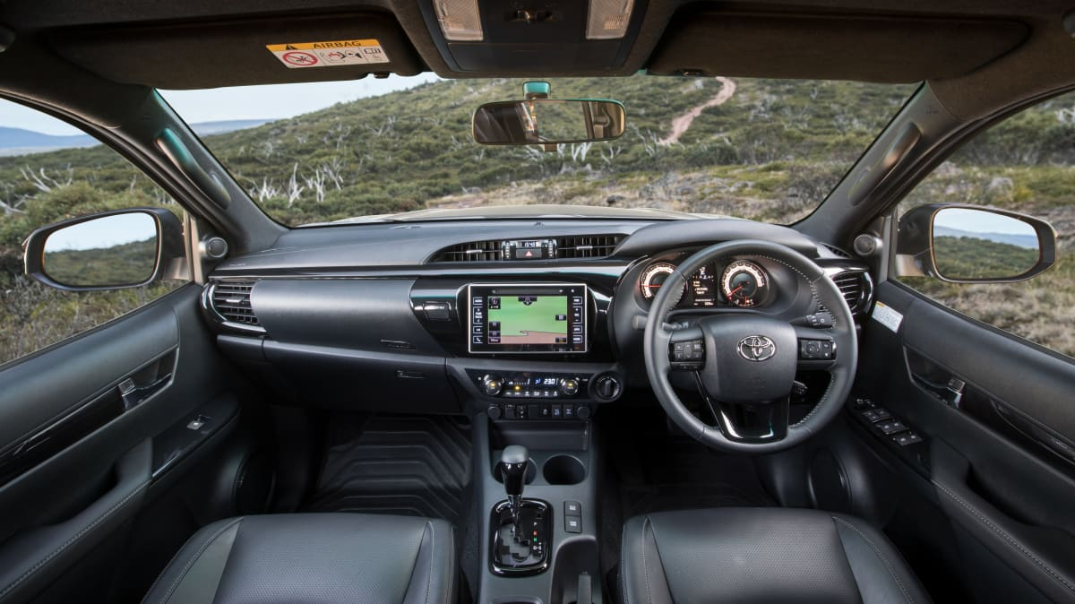 2018 Toyota HiLux Rugged X high res