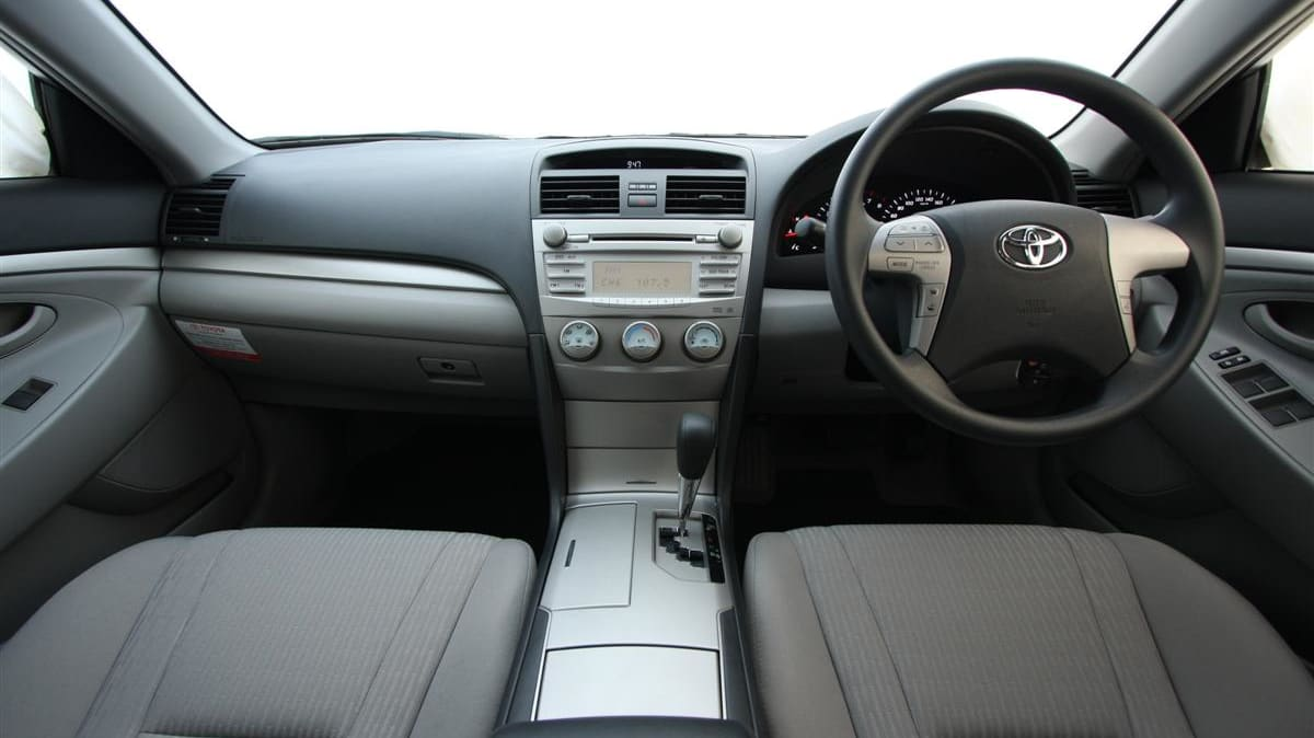 2010_toyota_aurion_at_x_road_test_review_header_01