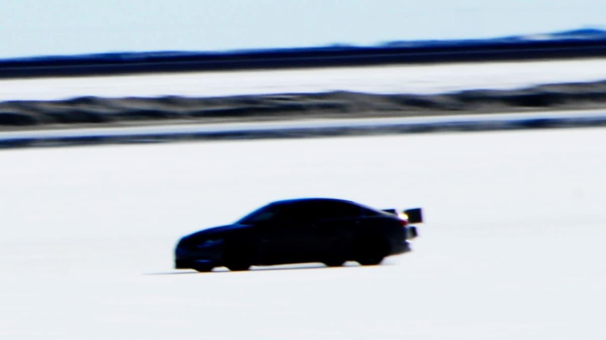 jaguar-xfr-prototype-at-bonneville-salt-flats_8.jpg