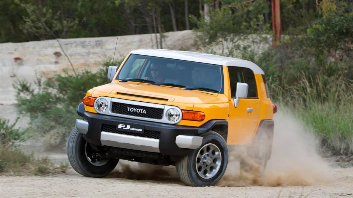 2011_toyota_fj_cruiser_australia_00_09