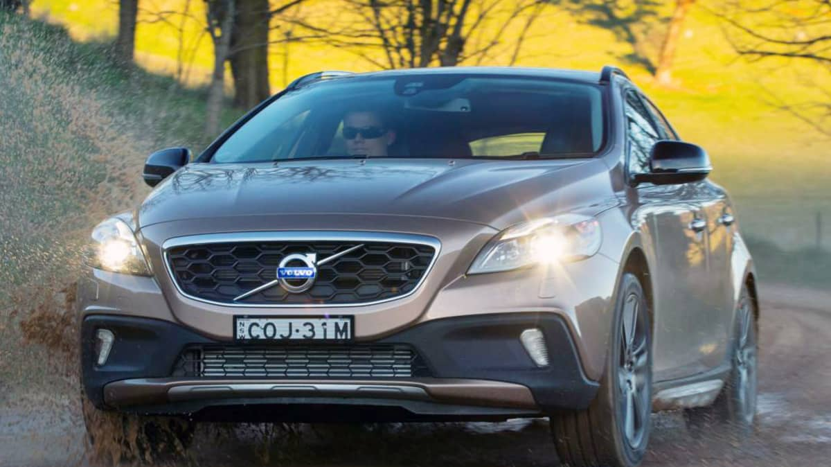 Volvo V40 Cross Country: Price And Features For New Crossover
