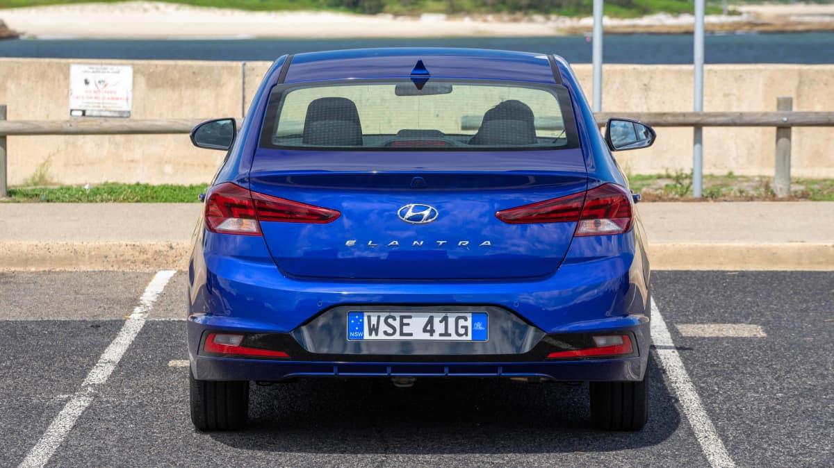 Hyundai Elantra Active 2019 Sedan Review-3