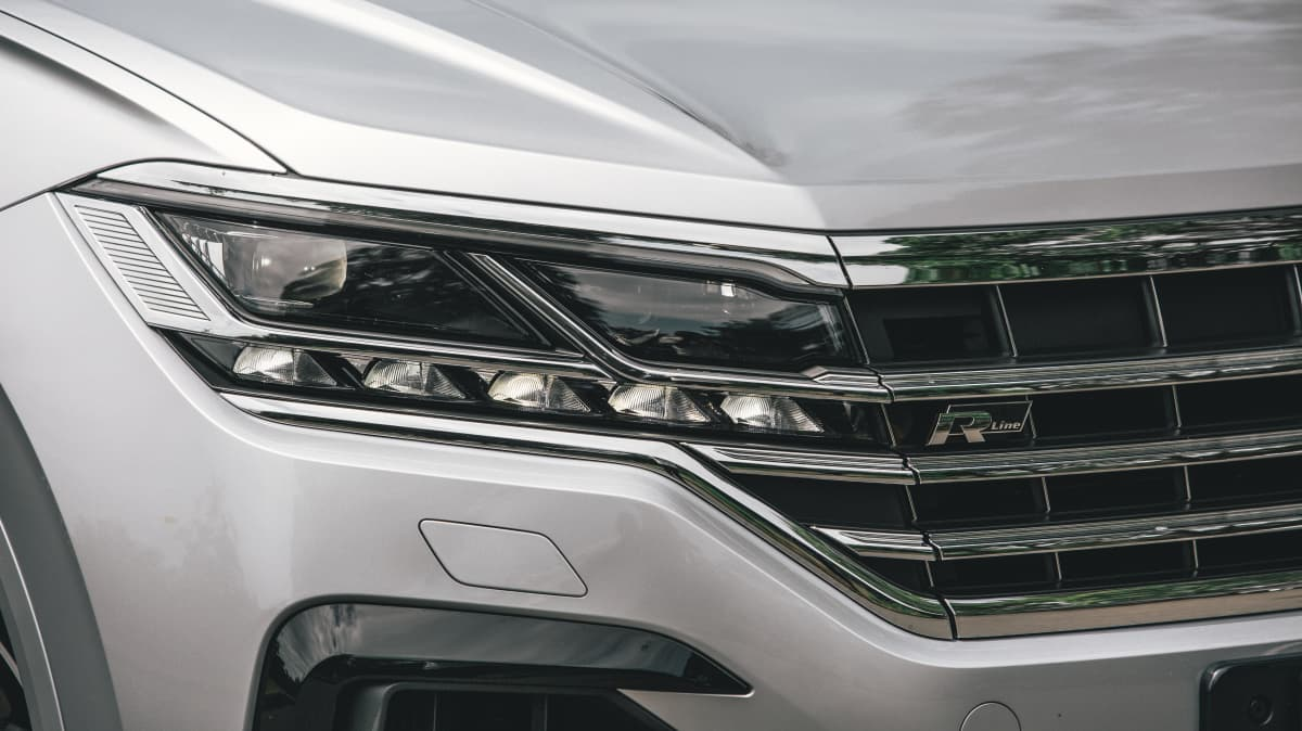2021 Volkswagen Touareg 210TDI R-Line review-1