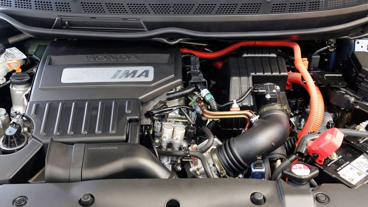 Honda Civic Hybrid Used Car Review-3