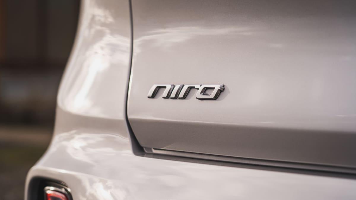 2021 Kia Niro PHEV Sport review-2