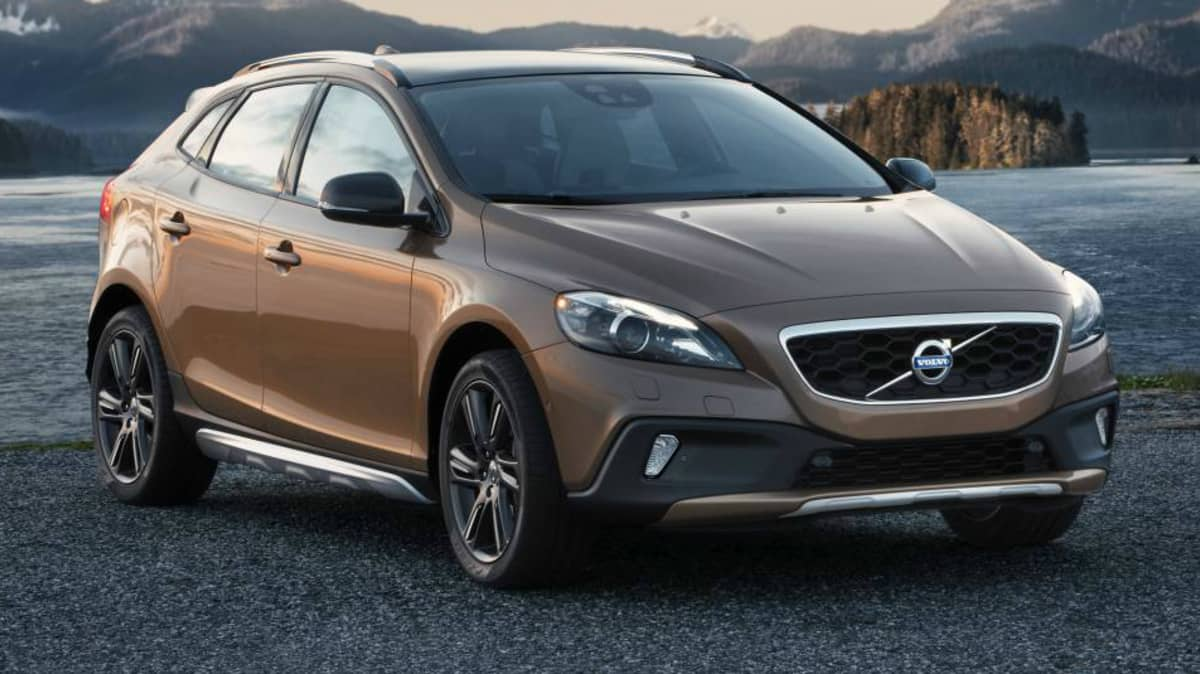 Volvo V40 Cross Country Detailed Further, Australian Debut On The Cards