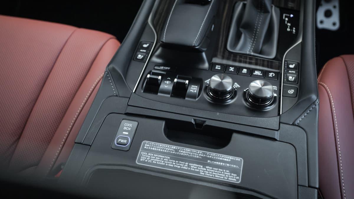 2021 Lexus LX570 S review-2