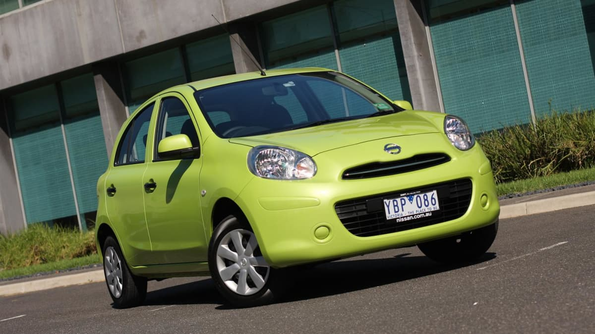 2011_nissan_micra_st_road_test_review_08