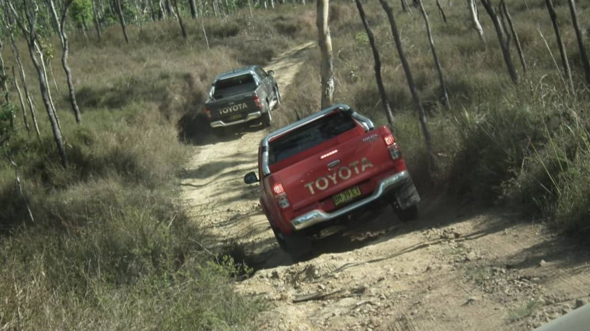 2012_toyota_hilux_road_test_review_14