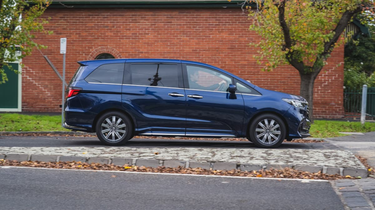 2021 Honda Odyssey Vi LX7 review-1