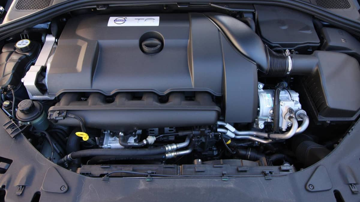 2011_volvo_s60_t6_roadtest_review_43