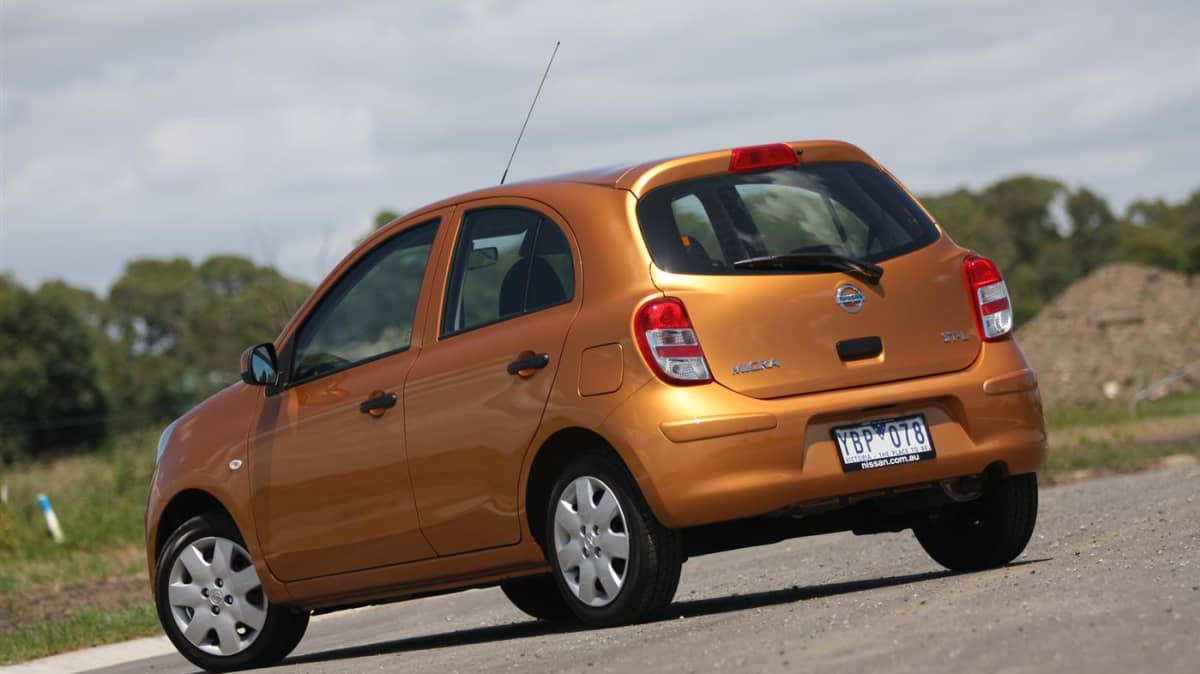 2011_nissan_micra_st_l_roadtest_review_03
