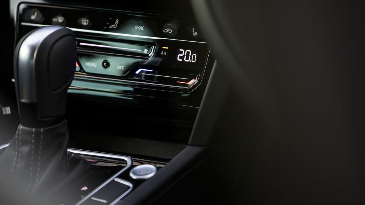 2021 Volkswagen Passat 206TSI R-Line Wagon launch review-1