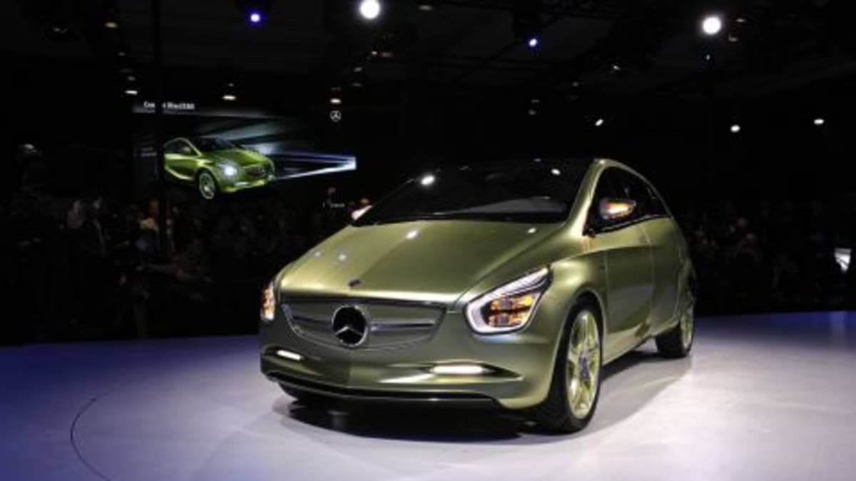 Mercedes-Benz BlueZERO Concept And SLR Sterling Moss In Detroit