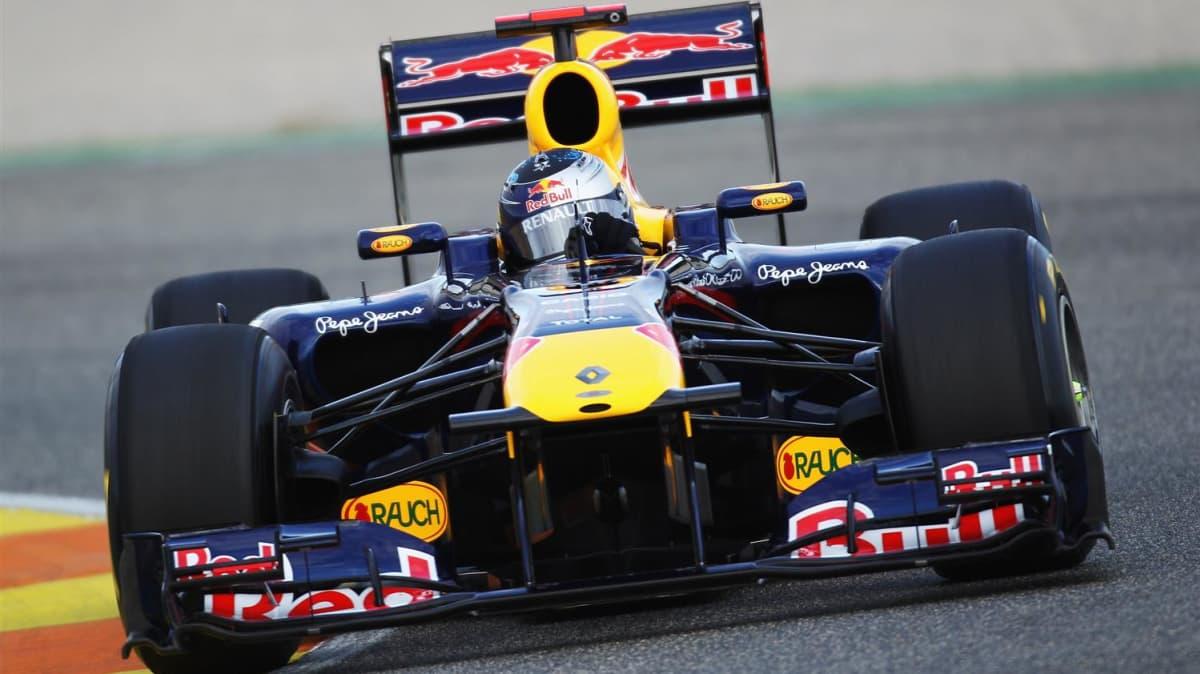 2011_red_bull_rb7_f1_race_car_01