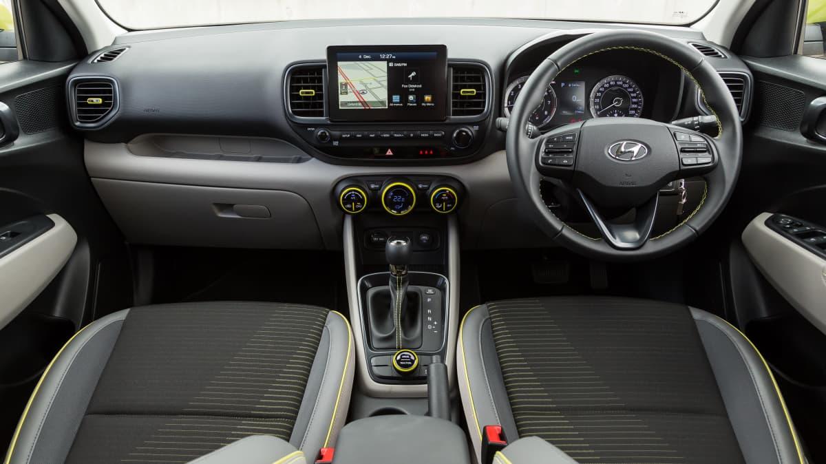 2020 Volkswagen Polo Style 85TSI v Hyundai Venue Elite-0