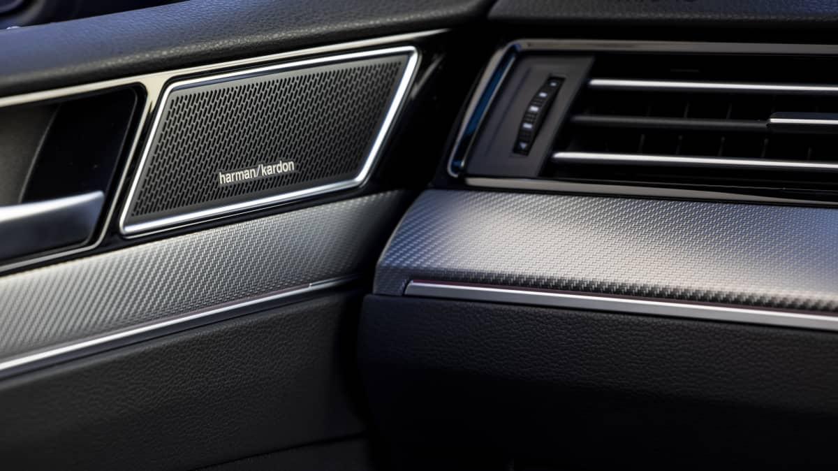 2021 Volkswagen Passat 206TSI R-Line Wagon launch review-0