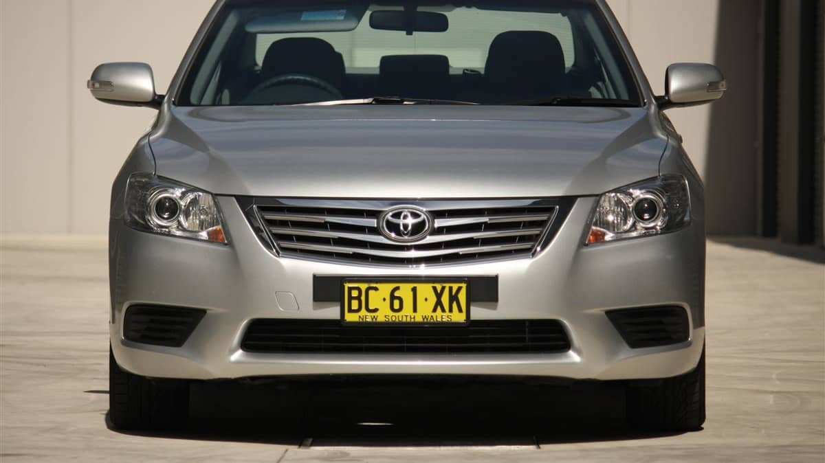 2010_toyota_aurion_at_x_road_test_review_header_38