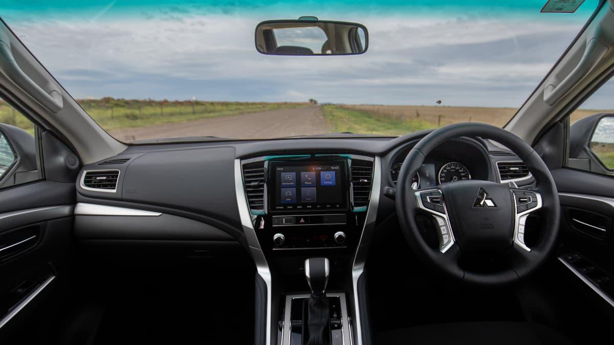 2020 Mitsubishi Pajero Sport GLX review-0