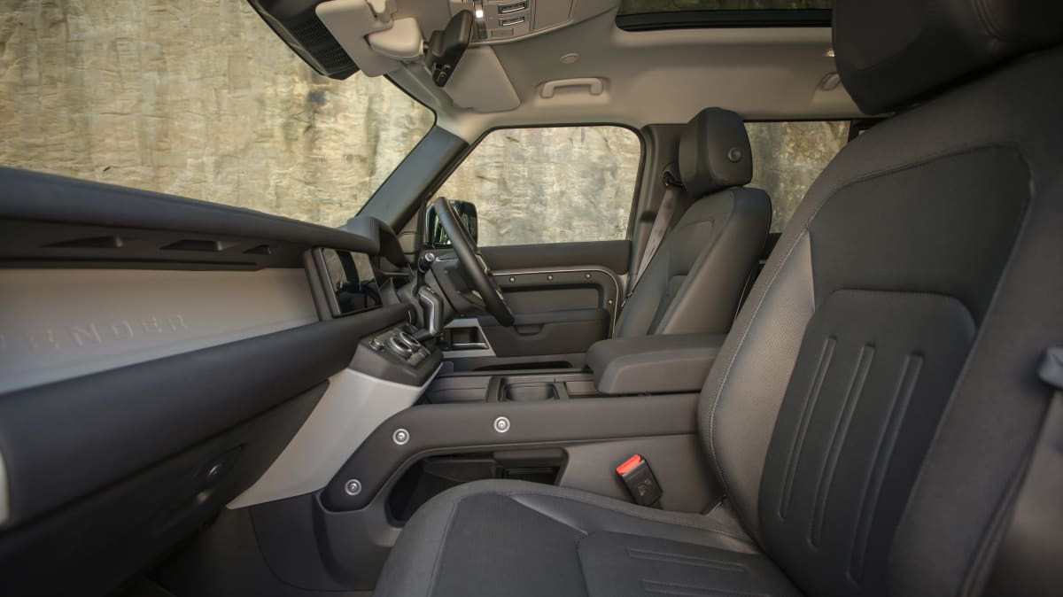 2021 Land Rover Defender 110 P400 S off-road review-4