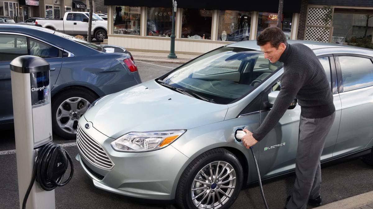 2012_ford_focus_electric_03