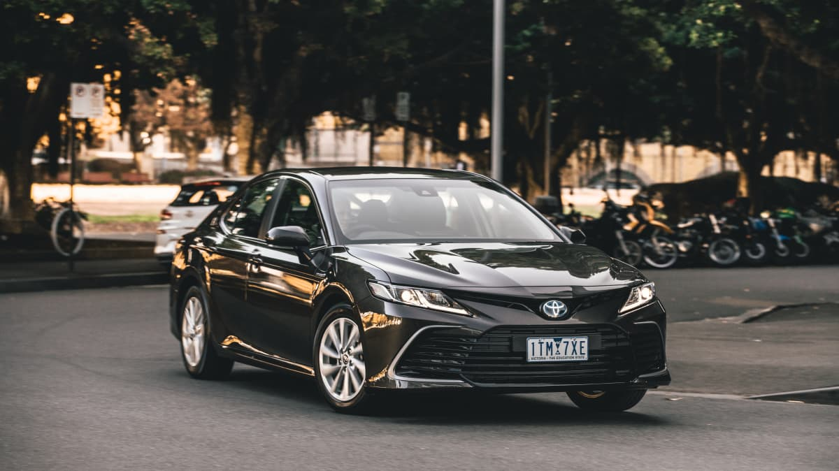 2021 Toyota Camry Ascent Hybrid review-0
