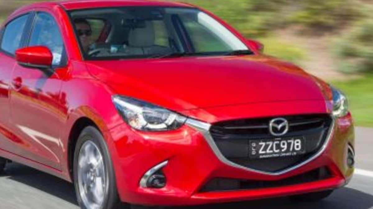 2017 Mazda2 new car review