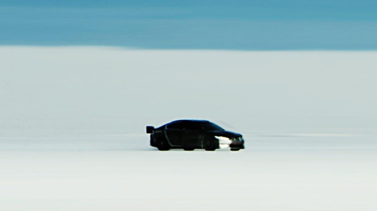 jaguar-xfr-prototype-at-bonneville-salt-flats_7.jpg