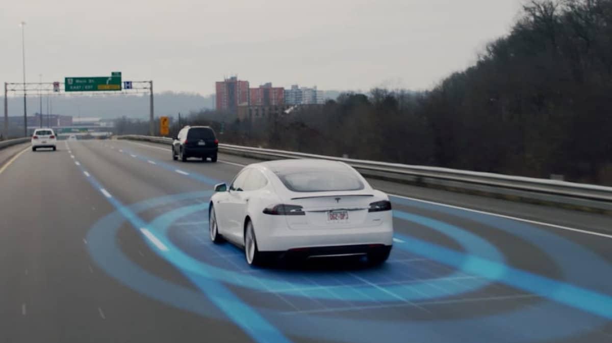 US senator demands Tesla rename Autopilot system