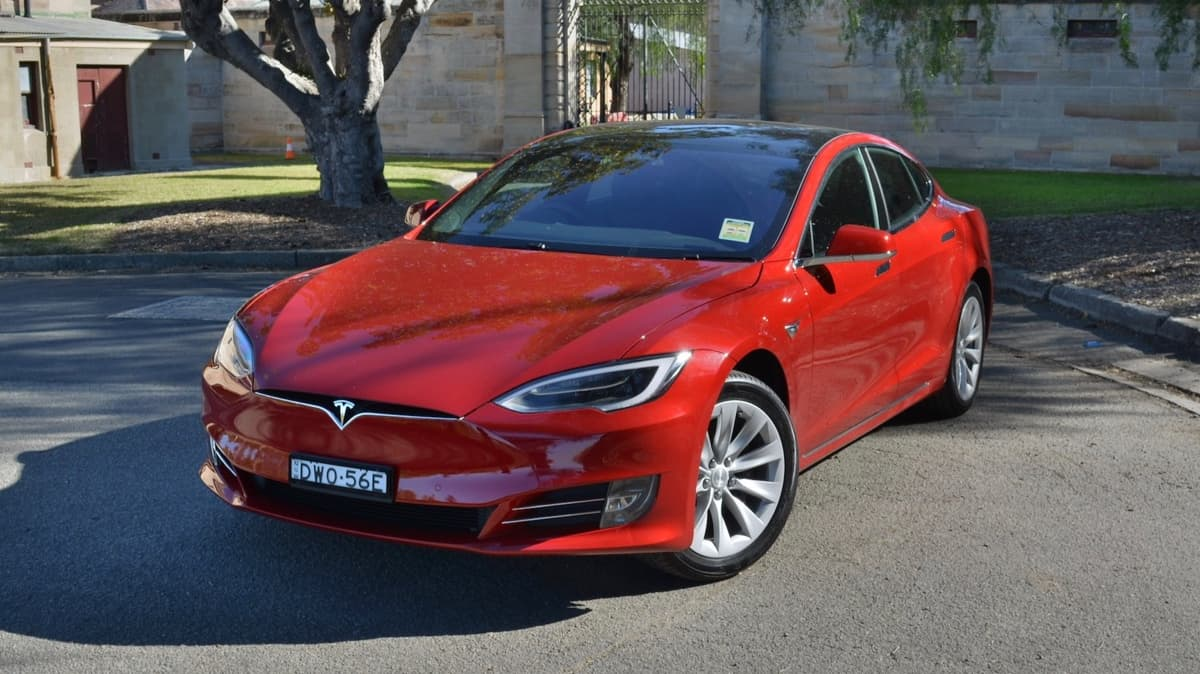 Tesla Model S 75D 2018 new car review