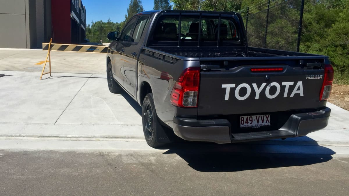 2016_toyota_hilux_workmate_double_cab_review_07