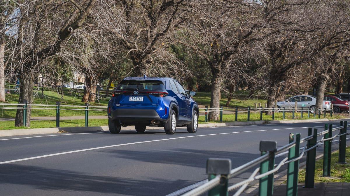 2021 Toyota Yaris Cross GX Hybrid 2WD review-3