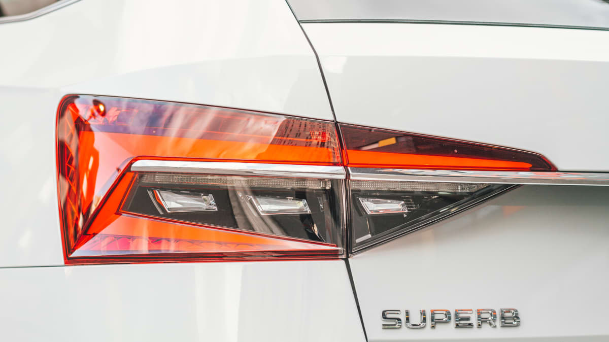 2020 Skoda Superb Scout review: 200TSI special edition-1