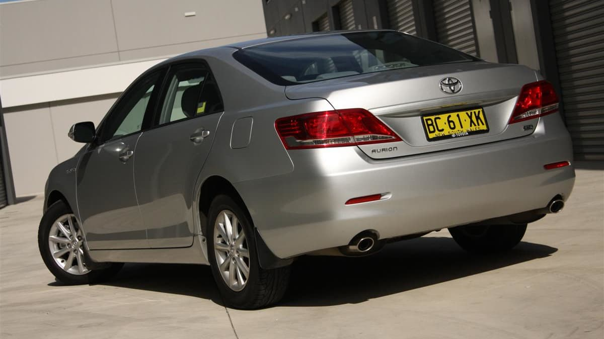 2010_toyota_aurion_at_x_road_test_review_header_20