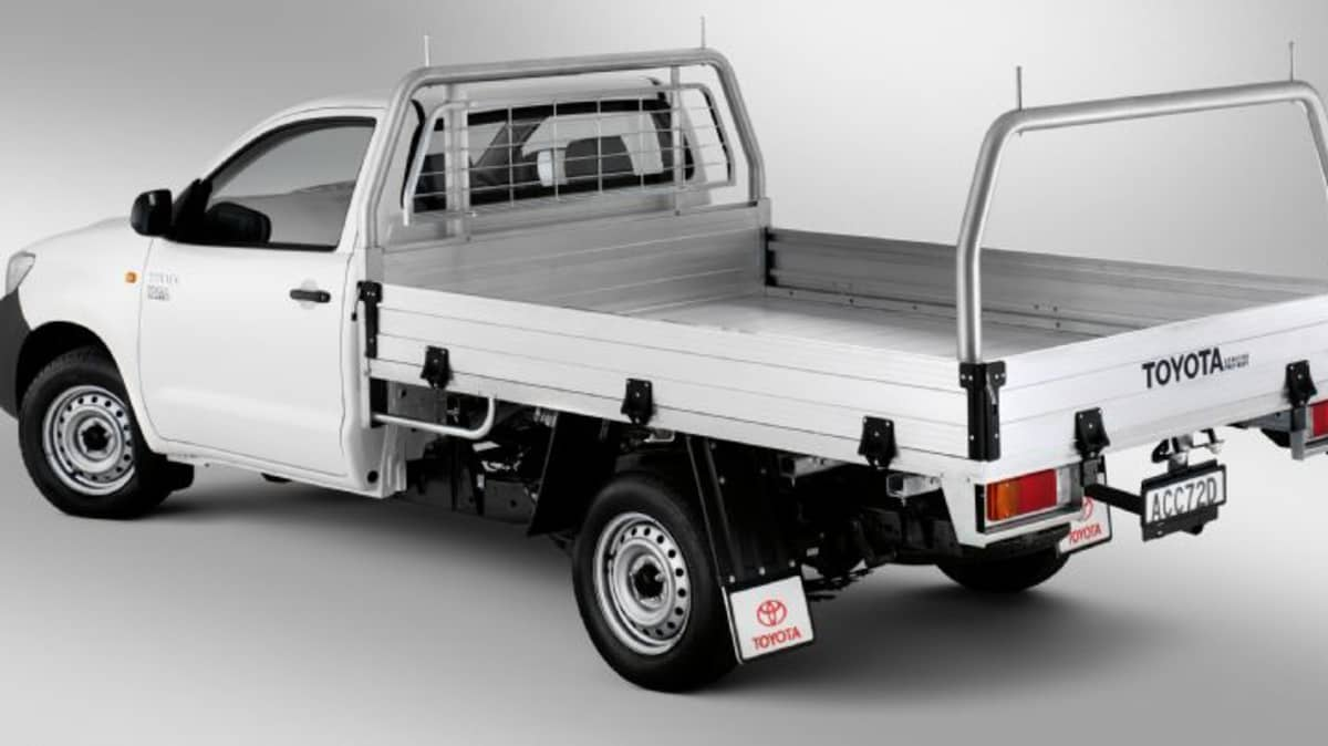 2012_toyota_hilux_02_workmate_03a