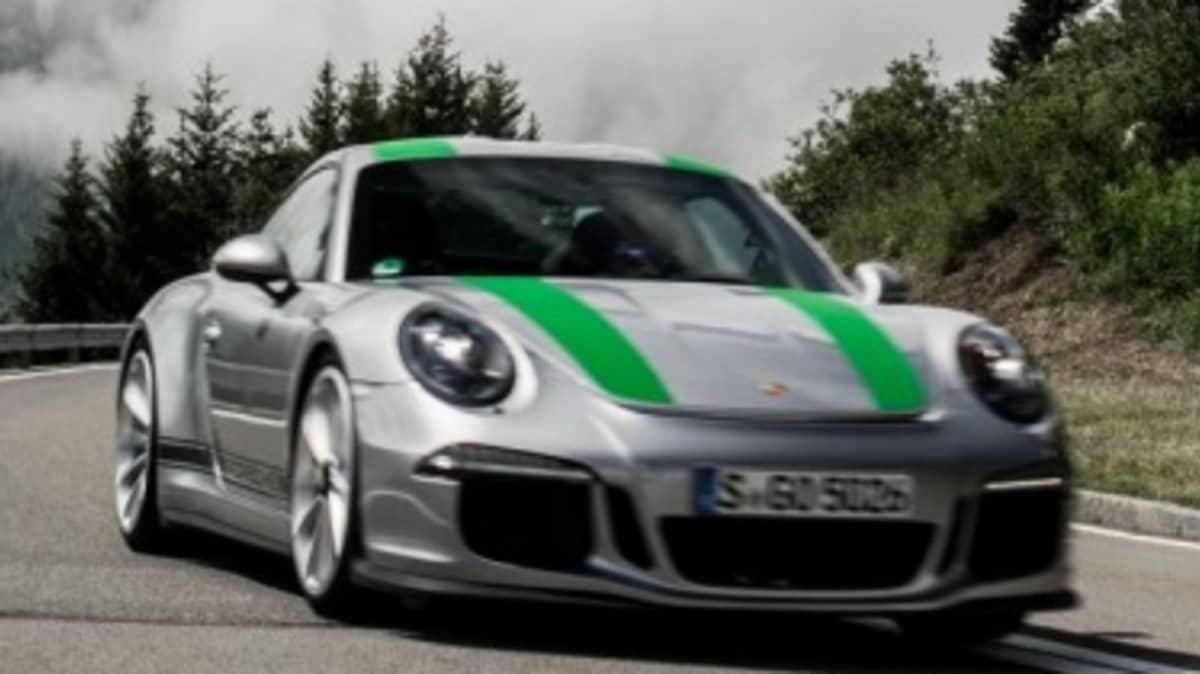 Porsche 911 R new car review