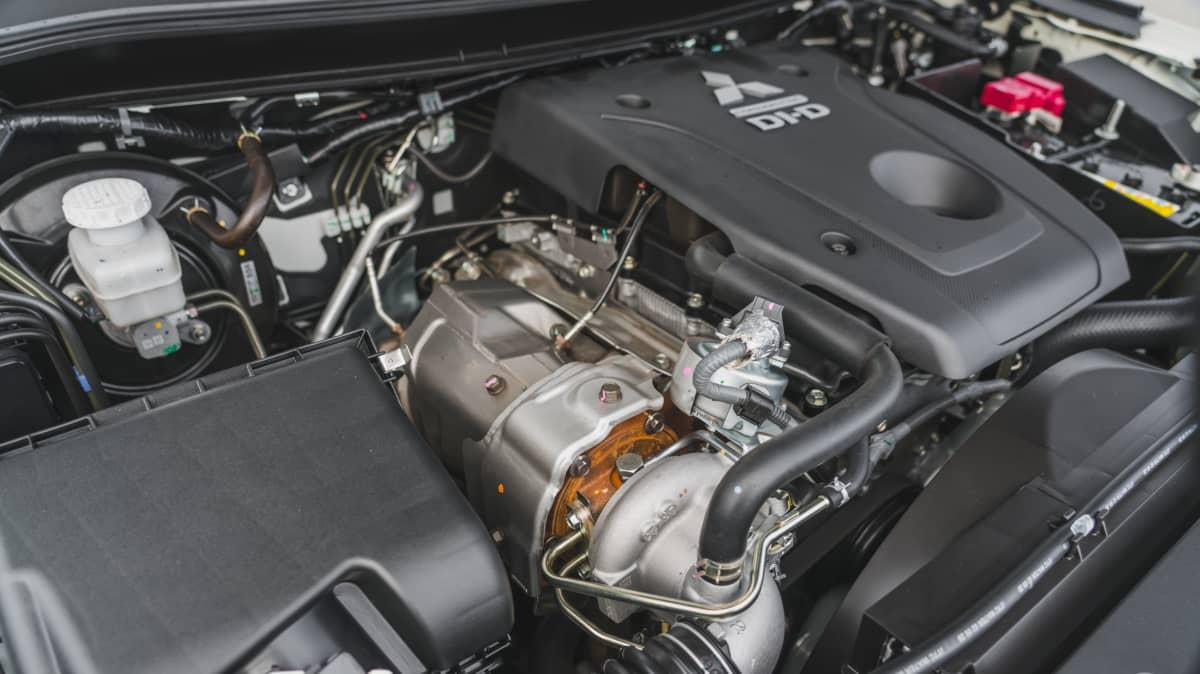 2021 Mitsubishi Triton GSR 4×4 review-0