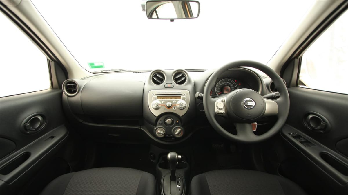 2011_nissan_micra_st_l_roadtest_review_23