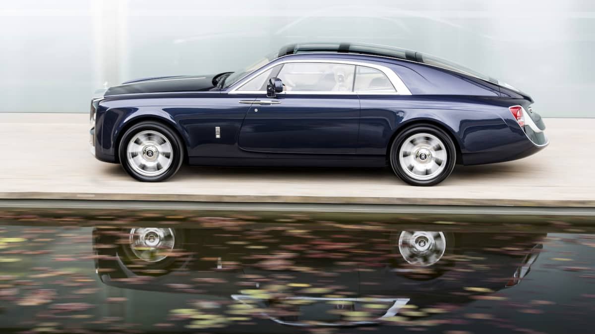 Rolls-Royce Unveils 1920s-Inspired One-Off Sweptail